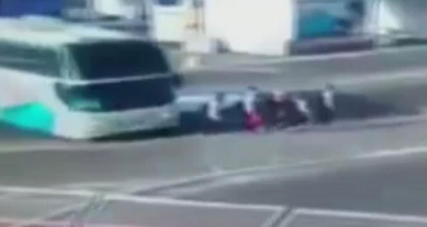 Otobüs sporcuların arasına böyle daldı