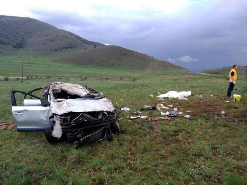 Bu otomobil 2 kişiye mezar oldu!