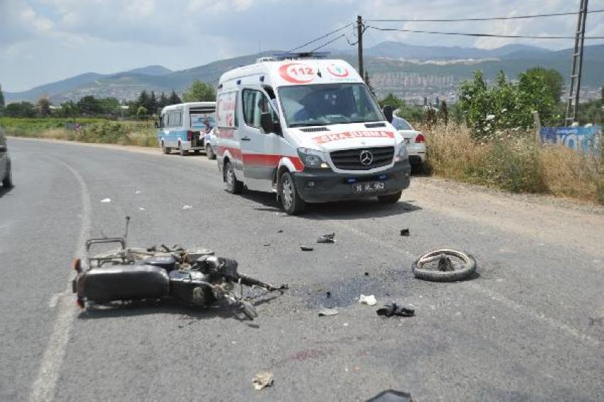 Bursa'da kaza yapan motosiklet sürücüsü ağır yaralandı