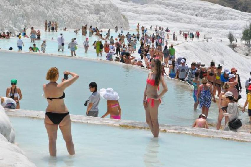 Turist sayısında düşüş var