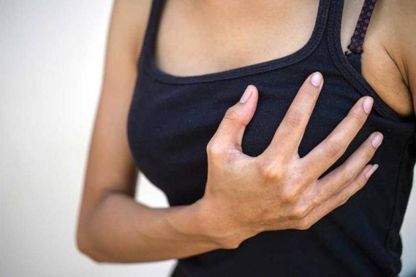 Koronavirüs aşısı yaptıran kadınlardan göğüs büyüme şikayeti