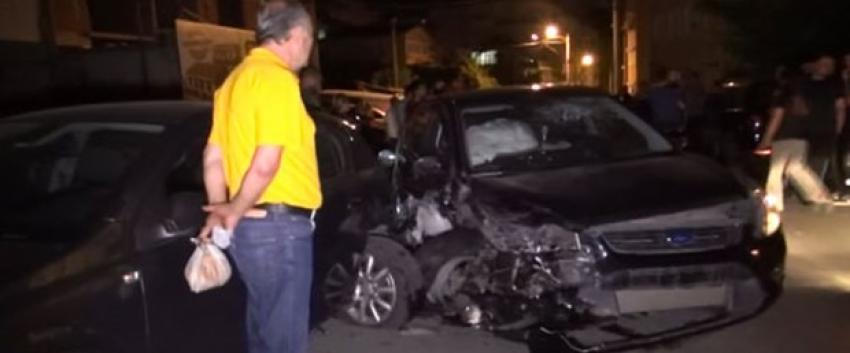 Polisten kaçan alkollü sürücü 4 otomobili biçti
