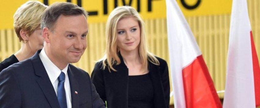 Polonya'nın yeni cumhurbaşkanını seçti