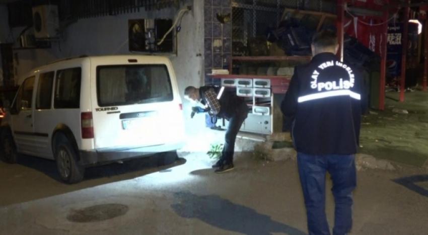 Bursa'da eşini taciz eden adamı defalarca bıçakladı