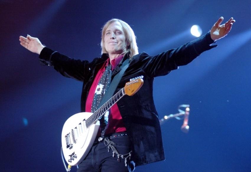 Rock'ın süper yıldızı Tom Petty hayatını kaybetti