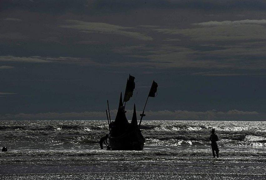 Denizin ortasından gelen yardım çığlığı