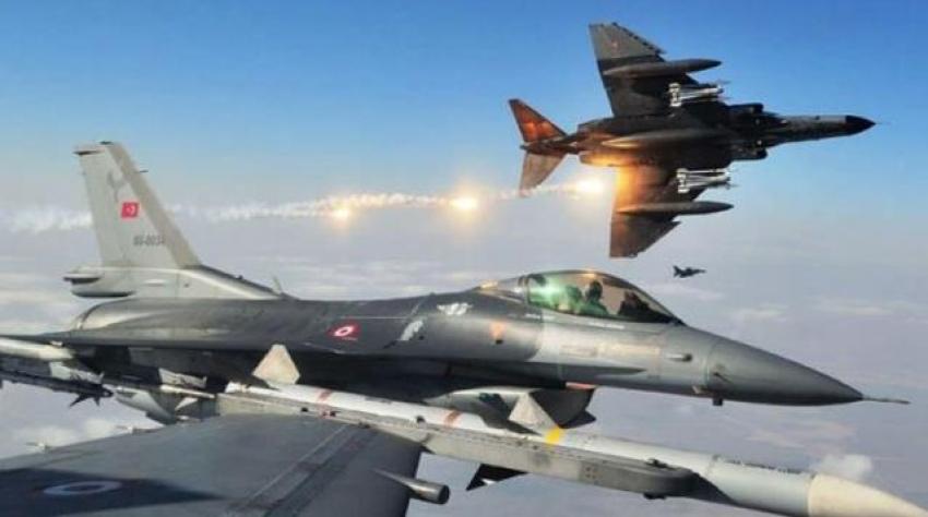 Rus savaş uçakları NATO'yu alarma geçirdi! Türk jetleri de havalandı