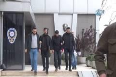 Sahte polisler FETÖ bahanesiyle parayı camdan alırken yakalandı