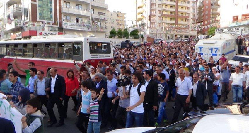 Saldırılara Diyarbakır'da protesto