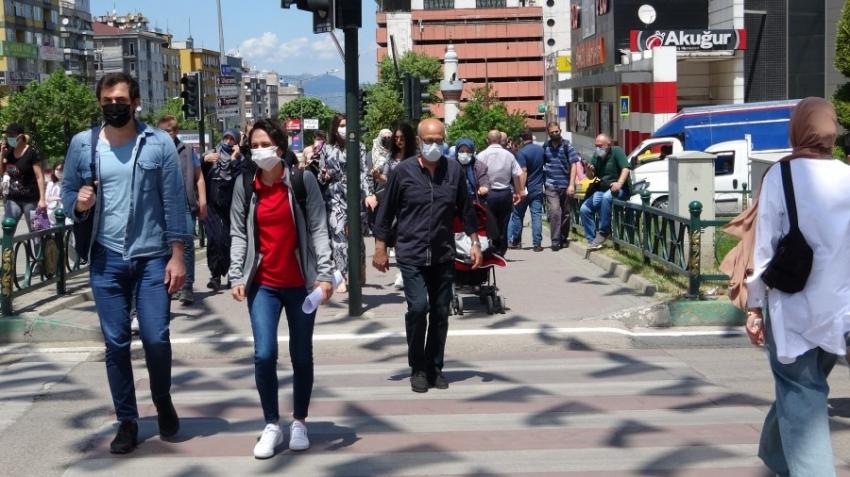 Bursa sokakları doldu taştı!