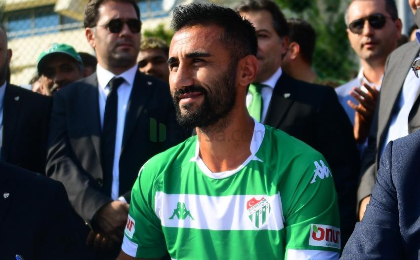 Bursaspor'un takım kaptanı Selçuk Şahin oldu