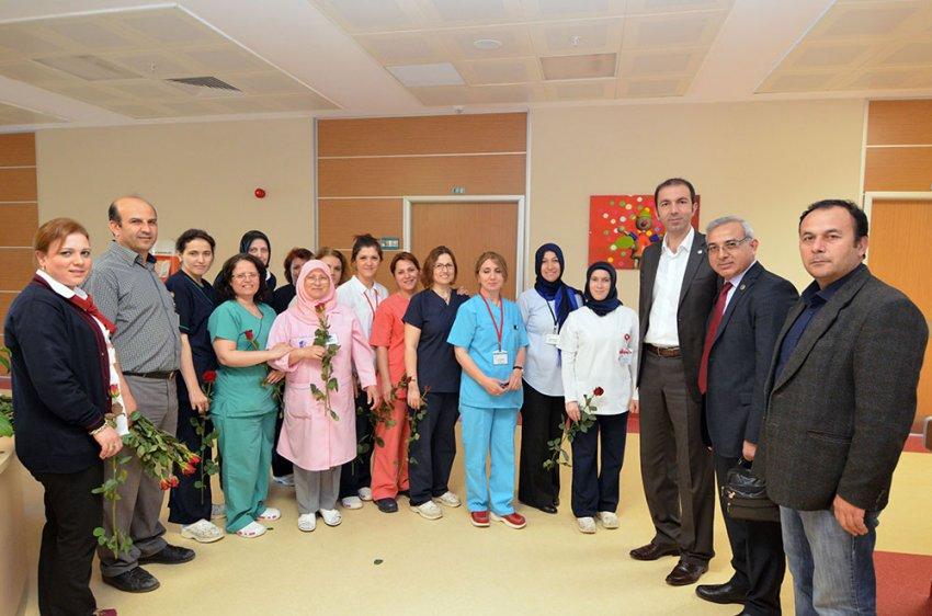 Sağlık-Sen'den hemşireler günü kutlaması