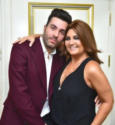 Sibel Can'ın oğlu iki kadınla otele girerken yakalandı