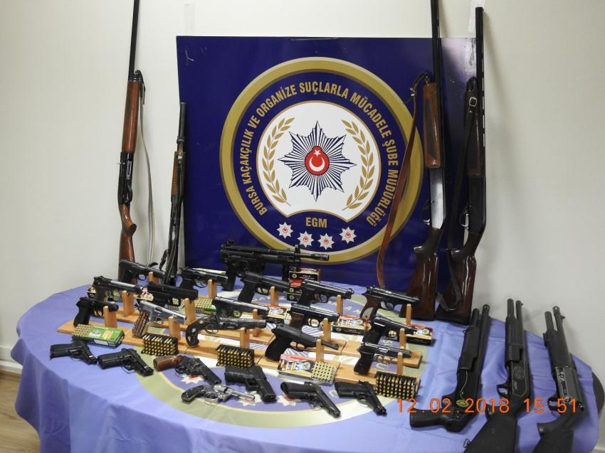 Bursa'da silah kaçakçılarına büyük darbe: 61 gözaltı