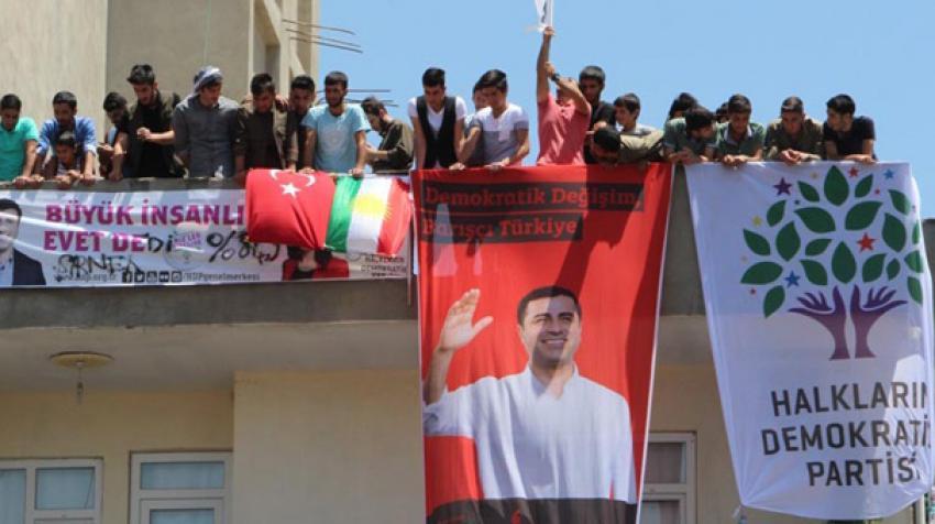 HDP'lilerin kutlamasında dikkat çeken fotoğraf