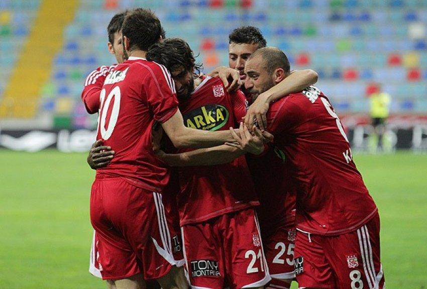 Sivasspor Kayseri'den mutlu döndü