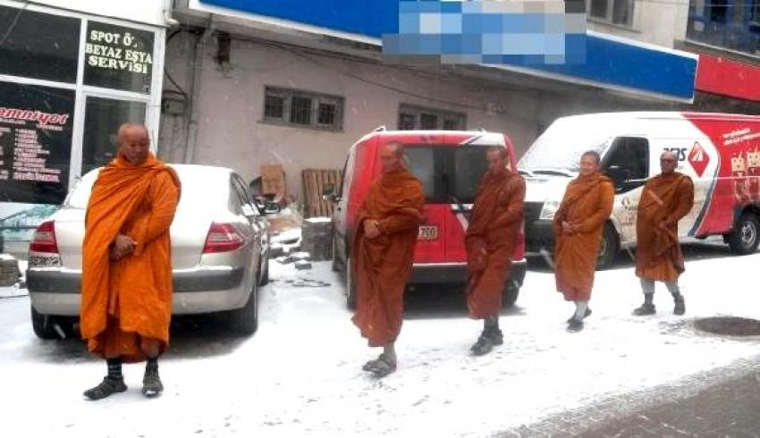 Sivaslılar, Taylandlı turistleri Çinli sandı panik yaptı