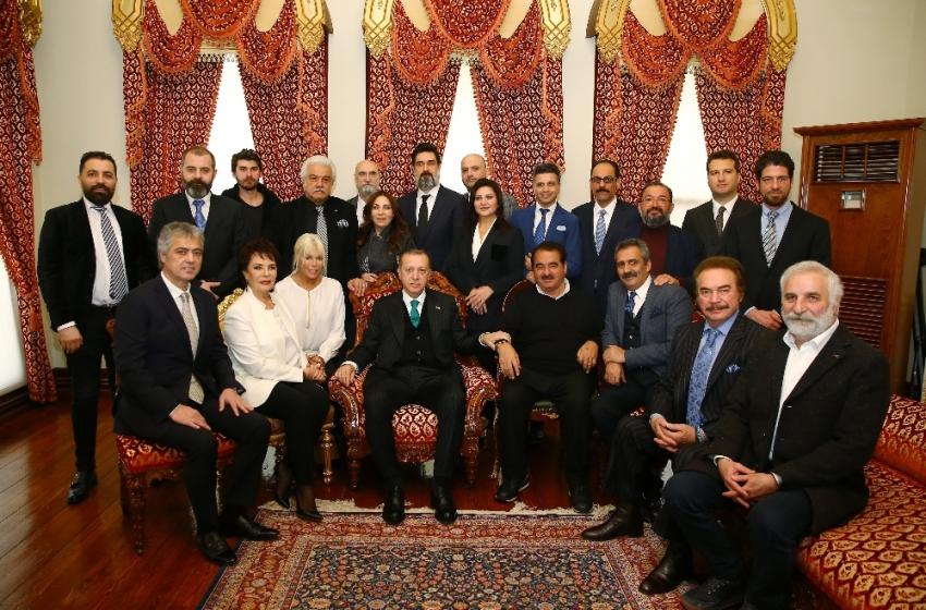 Ünlü sanatçılardan Cumhurbaşkanı'na kutlama!