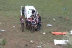 Şoför uyudu, otobüs şarampole uçtu: 8 ölü, 32 yaralı