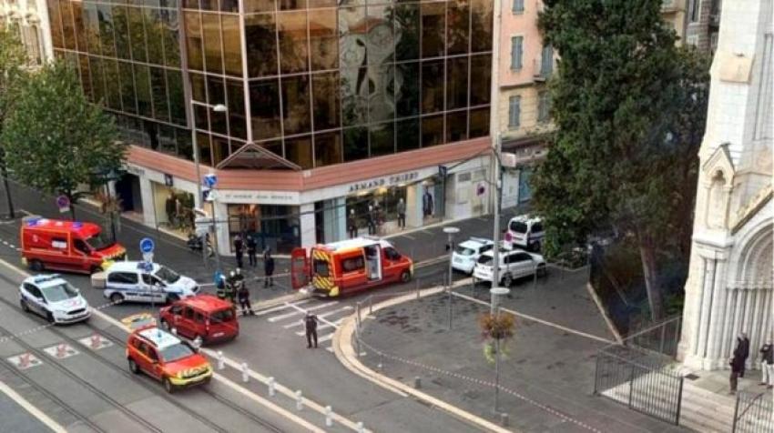 Fransa'da bıçaklı saldırı:3 ölü