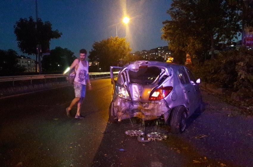 Kaza yapan sürücü dakikalarca plakasını aradı