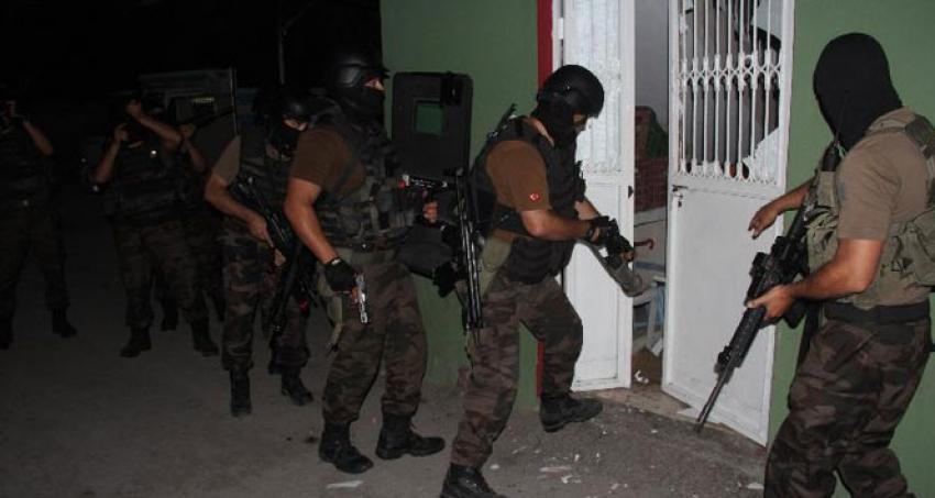Tacizci polisin evini yakanlara özel harekatlı operasyon