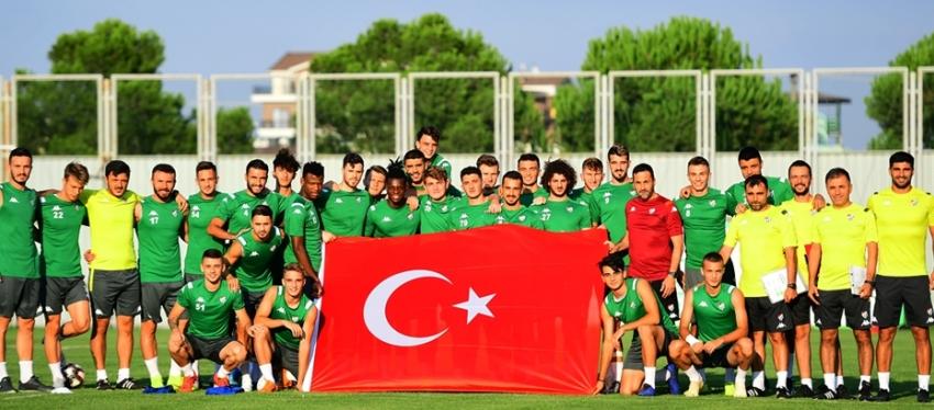 Bursaspor'dan 30 Ağustos Zafer Bayramı pozu