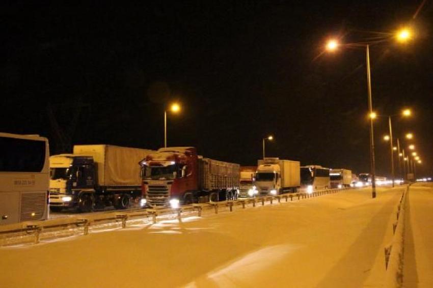 Kar yağışının vurduğu TEM'de son durum