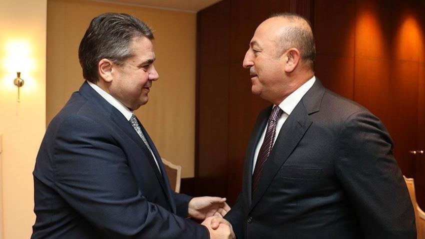 Çavuşoğlu'dan telefon diplomasisi