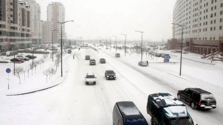 Astana'da kar fırtınasından acil durum ilan edildi