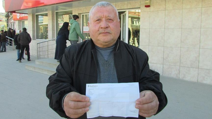 Emekli maaşını TSK'ya bağışladı