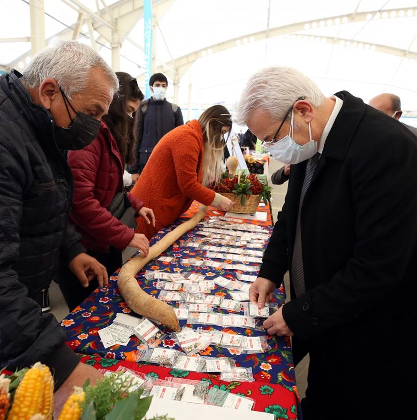 Nilüfer'de yerel tohum dağıtımı sürüyor