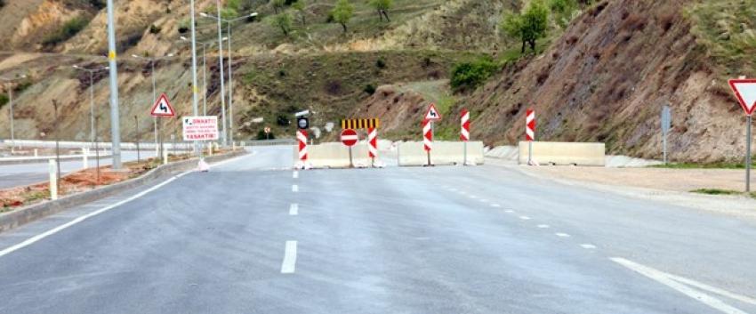 Çevre yolu heyelan nedeniyle kapatıldı