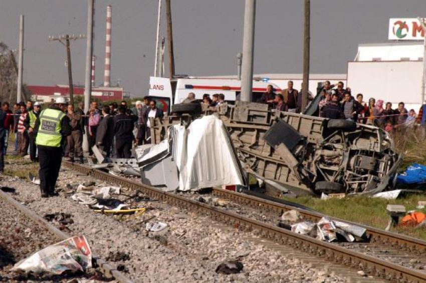 Tren faciasında bariyerci 10, şoför 5 yıla mahkum oldu