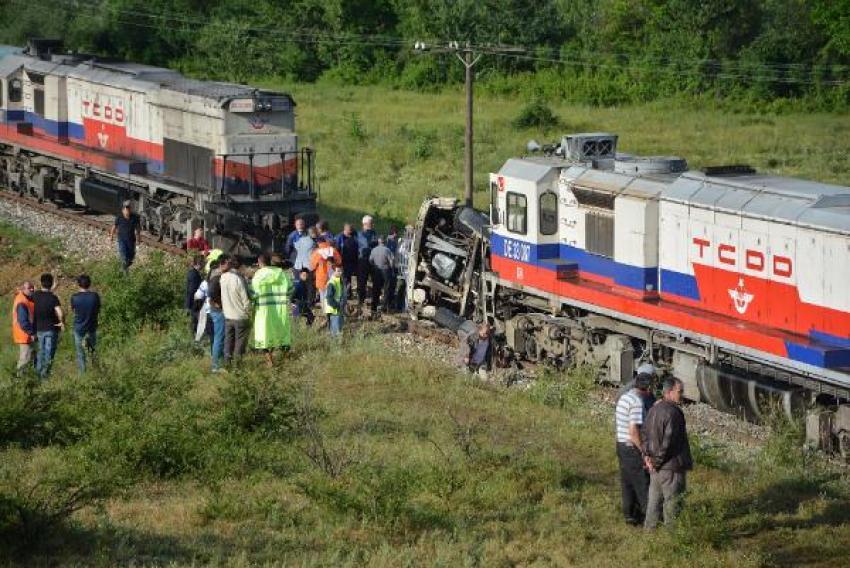 Tren, beton mikserine çarptı! 1 ölü