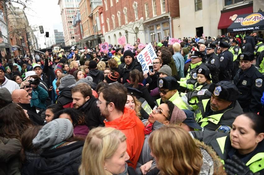 Trump protesto edildi