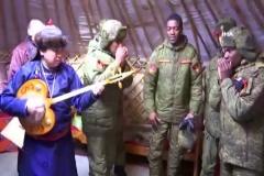Tula Türkleriyle Angola askerlerinin düeti mest etti