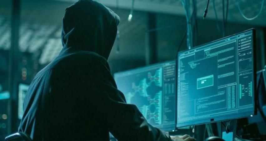 Türk hackerlardan Yunanistan'a darbe!