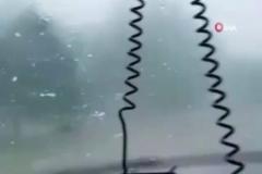 Tuzla'da etkili olan yoğun dolu yağışı