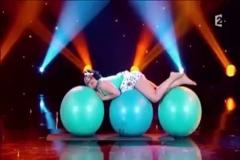 Üç pilates topuyla inanılmaz gösteri