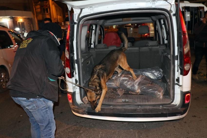 Diyarbakır'da 900 polisle dev uygulama