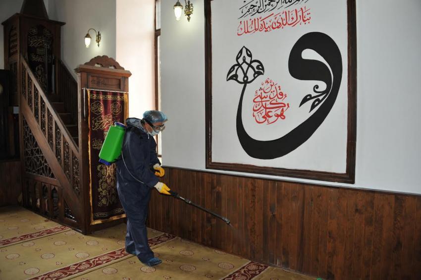 Bursa'da camiler ilaçlanıyor