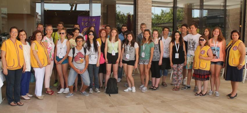Yabancı öğrencilerle bir araya geldiler