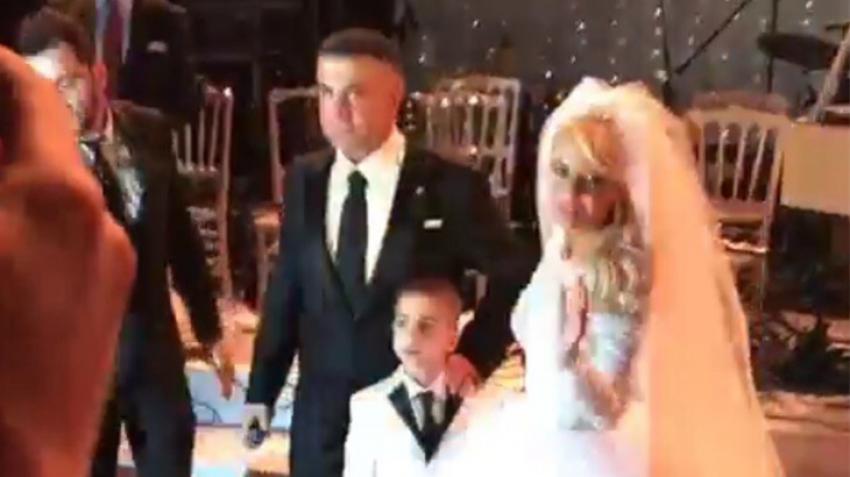 Cezaevinde evlendi, yalıda düğün yaptı!