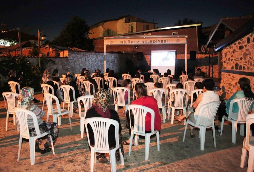 Nilüfer kırsalında kadınlara film gösterimleri başladı
