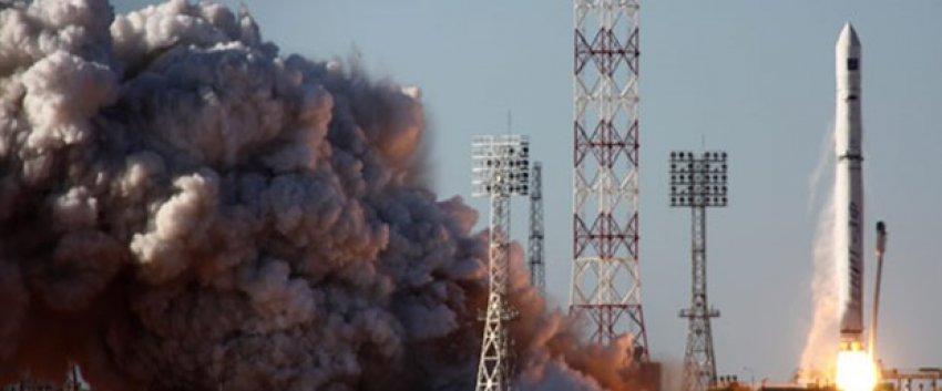 Uydu taşıyan roket Dünya'ya düştü