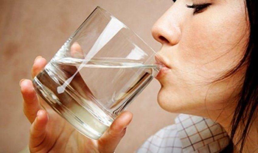 Uykudan önce ve sonra su içenler dikkat!
