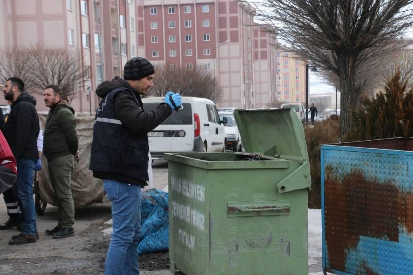 Çöp konteynerinden vahşet çıktı