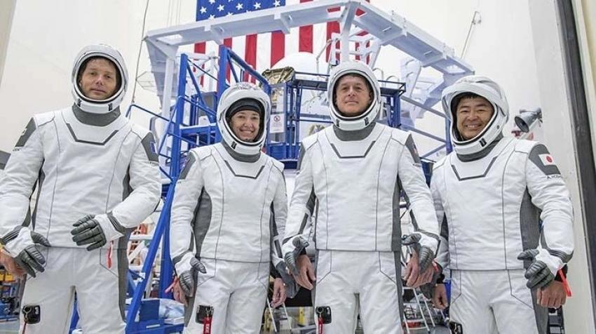 Ay görevi için NASA, SpaceX ile anlaştı!