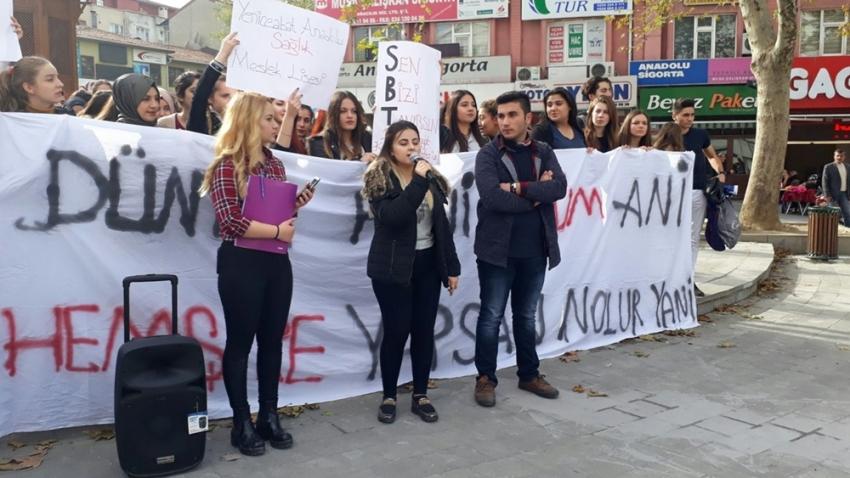 Genç sağlıkçılar haklarını arıyor